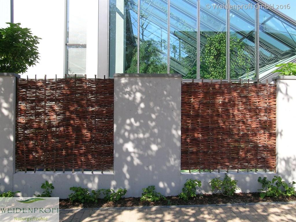 Weidenzaun Klassik Betonmauer